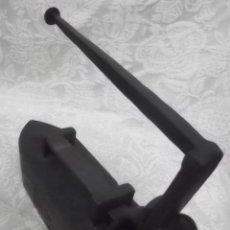 Antigüedades: PLANCHA DE HIERRO ANTIGUA. Lote 32501172