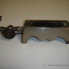 Antigüedades: 0RNILLO PARA CALENTAR LAS TENACILLAS DE ONDULAR EL CABELLO . Lote 32638646