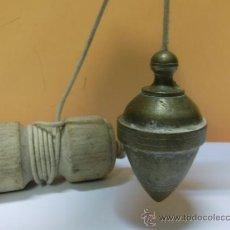 Antigüedades: PLOMADA ANTIGUA DE BRONCE. Lote 32710374