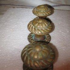 Antigüedades: LOTE DE 3 TIRADORES ANTIGUOS EN BRONCE.. Lote 32763949