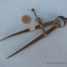 Antigüedades: ANTIGUO COMPÁS DE HIERRO. Lote 32824586