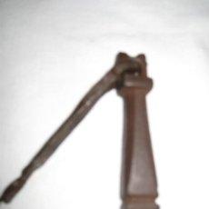 Antigüedades: ALDABA O LLAMADOR ANTIGUO EN HIERRO FORJADO SIGLO XIX - 4. Lote 32894814