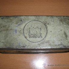 Antigüedades: ANTIGUA CAJA DE ENSERES O HERRAMIENTAS SIGMA. Lote 32890845
