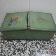 Antigüedades: ANTIGUO COSTURERO MARCA CORONA PATENTADO PARA REPARAR. Lote 32904423