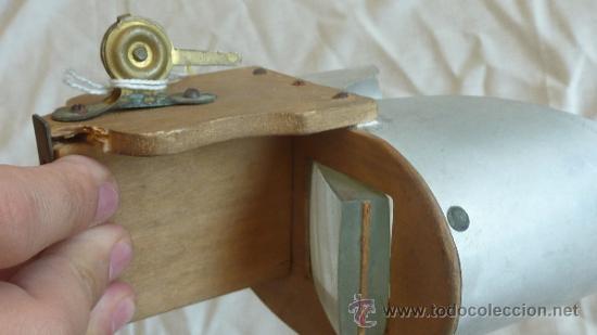 Antigüedades: Antiguo visor estereoscopico de madera y hojalata - Foto 3 - 33279942