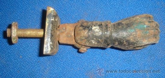 Antigüedades: ANTIGUO LLAMADOR DE PUERTA. PICAPORTE. MEDIDAS MANO: 8CM. - Foto 2 - 33207331