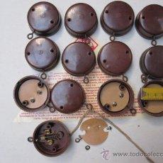 Antigüedades: 12 PULSADORES DE PARED BAKELITA -1950 SIN USO - MATERIAL ELECTRICO ANTIGUO + INFO.. Lote 162546277