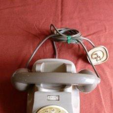 Teléfonos: TELEFONO COLOR CREMA. ITALIANO. . Lote 33421600