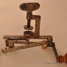 Antigüedades: RECARGADOR DE CARTUCHOS.Nº2. Lote 33544153
