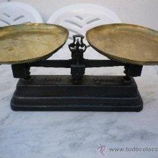 Antigüedades: BALANZAS DE HIERRO Y LATON . Lote 33543584