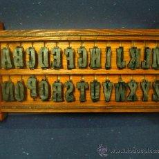 Antigüedades: IMPRENTA, LETRAS DE PLOMO , CAJA-ESTANTERIA, LETRAS DE LUDLOW, TAMAÑO 120 PUNTOS - VER FOTOS. Lote 159360930