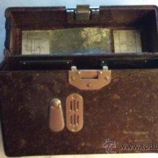 Antigüedades: CAJA DE BAKELITA DE EQUIPO DE RADIOFONIA ALEMANA. Lote 33749745