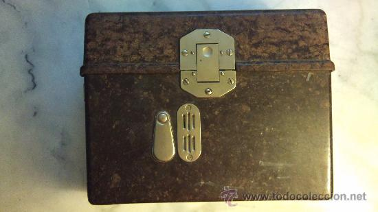 Antigüedades: caja de bakelita de equipo de radiofonia alemana - Foto 2 - 33749745