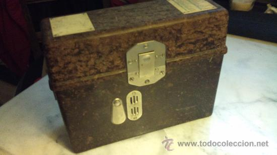 Antigüedades: caja de bakelita de equipo de radiofonia alemana - Foto 5 - 33749745