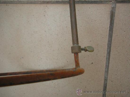 Antigüedades: soporte antiguo de laboratorio, graduable en altura - Foto 4 - 33777442