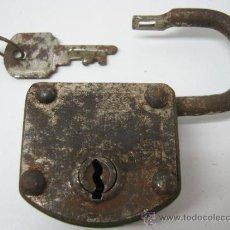 Antigüedades: ANTIGUO CANDADO CON LLAVE - FABRICA - FUNCIONANDO. Lote 33937552