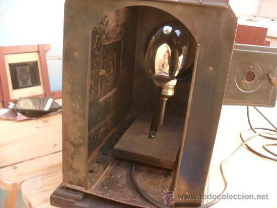 Antigüedades: enorme linterna magica con fotos cristal,funciona,mirala hay muchas fotos - Foto 13 - 33985804