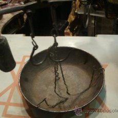 Antigüedades: ANTIGUA BALANZA ROMANA DE FORJA - ORIGINAL DEL SIGLO XIX TODA COMPLETA. Lote 34027855