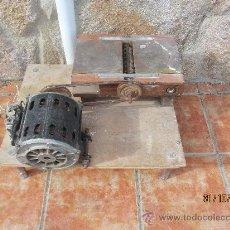 Antigüedades: CEPILLO ARTESANAL MUY PRÁCTICO, DE GRAN POTENCIA.. Lote 34067688