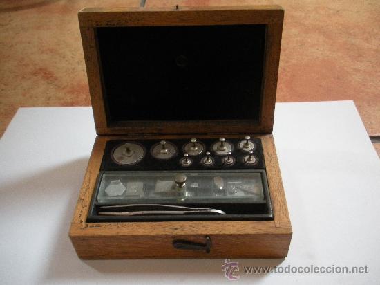 ANTIGUO JUEGO DE PESAS DE PRECISION, COMPLETO (Antigüedades - Técnicas - Medidas de Peso Antiguas - Otras)
