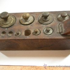 Antigüedades: TACO DE PESAS ANTIGUO, LO QUE SE VE, PESA MAYOR 250 GRAMOS. Lote 34078486