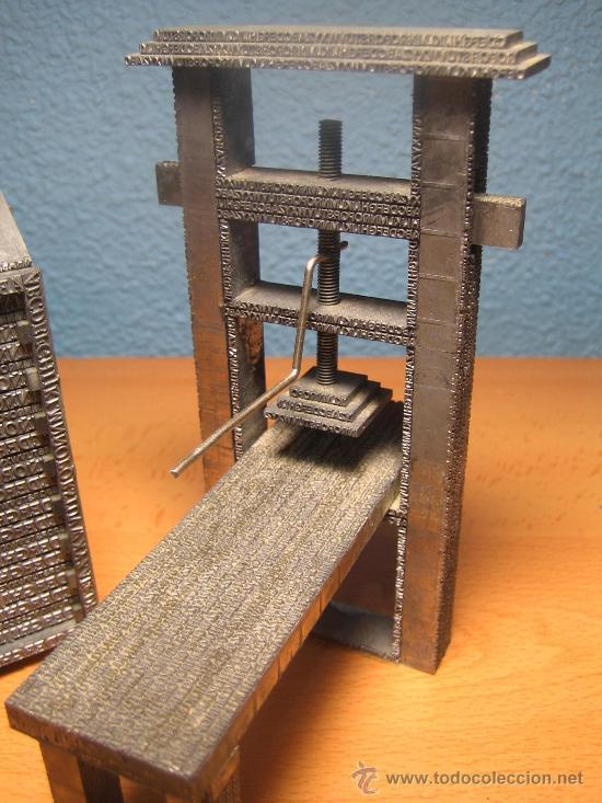 Antigüedades: IMPRENTA, maquetas de plomo prensa Gutenberg y chibalete - lote especial - Foto 2 - 174379774