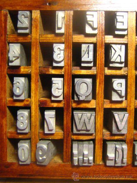 Antigüedades: CAJITA LETRAS DE IMPRENTA DE 40 APARTADOS - 36 FOLIO NEGRA VERSALES - Foto 3 - 34147342
