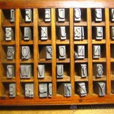 Antigüedades: CAJITA LETRAS DE IMPRENTA DE 40 APARTADOS - 36 FOLIO ESTRECHA FINA - VERSALES. Lote 34151686