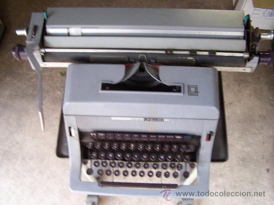 Antigüedades: Olivetti linea 88, funcionando. Con soporte de oficina Involca - Foto 4 - 34198941
