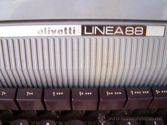 Antigüedades: Olivetti linea 88, funcionando. Con soporte de oficina Involca - Foto 2 - 34198941