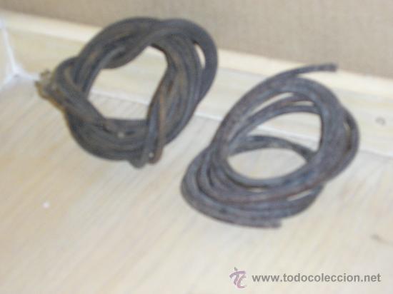 TRES CORREAS ANTIGUAS DE MAQUINA DE COSER DE CUERO (Antigüedades - Técnicas - Máquinas de Coser Antiguas - Complementos)