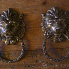 Antigüedades: TIRADORES BRONCE (CABEZA DE LEÓN) PARA MUEBLES -ANTIGUOS-. Lote 34263330