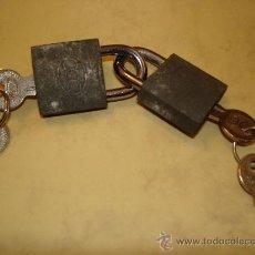 Antigüedades: DOS PEQUEÑOS CANDADOS CON DOS LLAVES CADA UNO - CUERPO: 2,5 X 2,5 CMS. APROX.. Lote 34332085