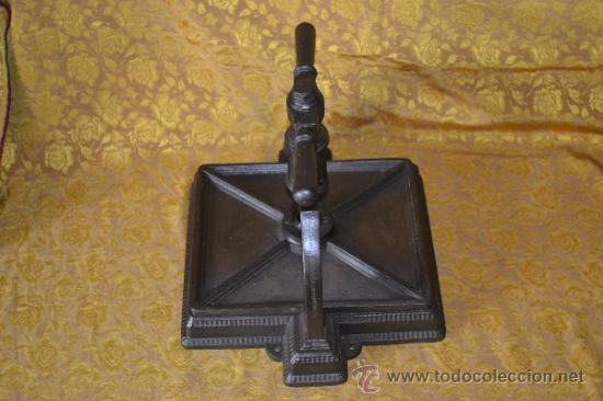 Antigüedades: BONITA PRENSA DE LIBROS DE IMPRENTA LABRADA HIERRO FUNDIDO - Foto 6 - 42354961