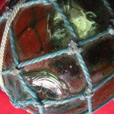 Antigüedades: ANTIGUA BOYA MARINA EN CRISTAL SOPLADO COLOR VERDE Y REVESTIDA DE RED.. Lote 34577651