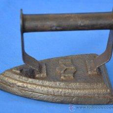 Antigüedades: ANTIGUA PLANCHA DE HIERRO I Y B. Lote 34758708