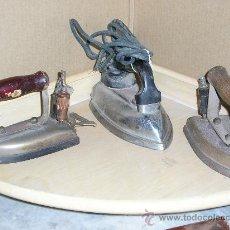 Antigüedades: LOTE DE TRES PLANCHAS ELECTRICAS AÑOS 40 125V. Lote 34860292
