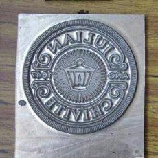 Antiquités: TROQUEL DE IMPRENTA .. BODEGAS JULIÁN CHIVITE. Lote 34976298