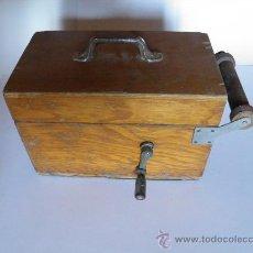 Antigüedades: ANTIGUA CAJA CON TAMBOR CON CABLE Y MILIAMPERÍMETRO DE LA CASA RADIOMETRICO DE BARCELONA.. Lote 34984093