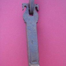 Antigüedades: LLAMADOR ANTIGUO DE FORJA -S. XIX-. 19,750 CMS DE LONGUITUD.. Lote 35059380