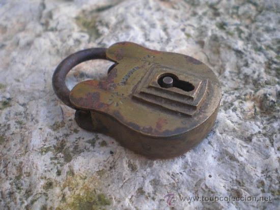 ANTIGUO CANDADO DE BRONCE (Antigüedades - Técnicas - Cerrajería y Forja - Candados Antiguos)