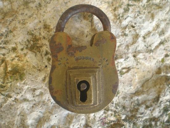 Antigüedades: ANTIGUO CANDADO DE BRONCE - Foto 2 - 35215663