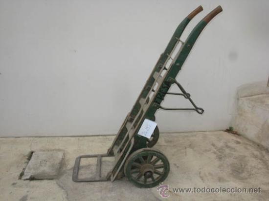 Antigüedades: Antigua carretilla de madera y hierro para transporte de sacos u otros materiales. - Foto 5 - 35387854