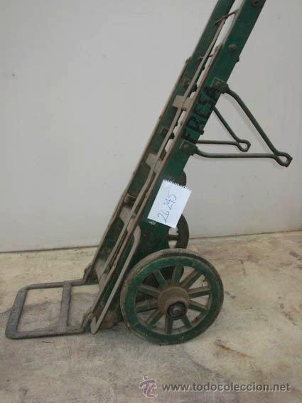Antigüedades: Antigua carretilla de madera y hierro para transporte de sacos u otros materiales. - Foto 6 - 35387854