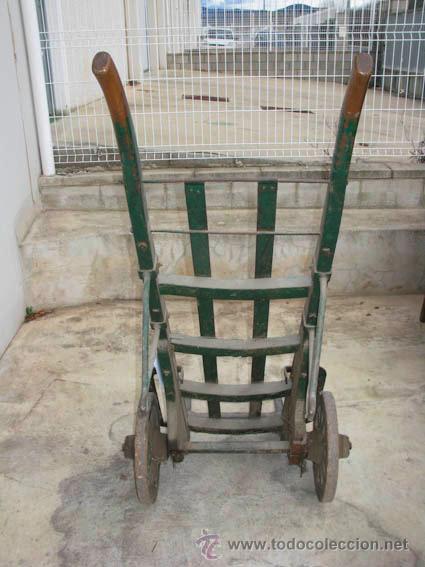 Antigüedades: Antigua carretilla de madera y hierro para transporte de sacos u otros materiales. - Foto 4 - 35387854