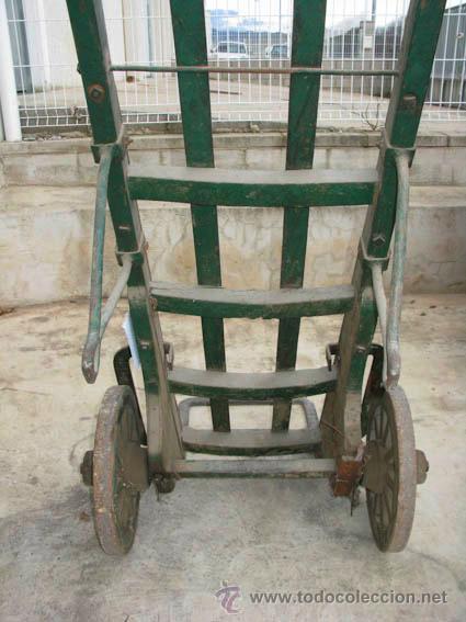 Antigüedades: Antigua carretilla de madera y hierro para transporte de sacos u otros materiales. - Foto 7 - 35387854