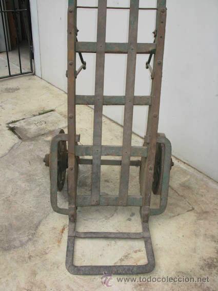 Antigüedades: Antigua carretilla de madera y hierro para transporte de sacos u otros materiales. - Foto 3 - 35387854
