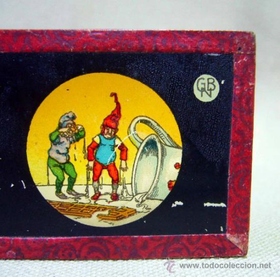 PLACA DE CRISTAL, DIAPOSITIVA CON DIBUJO, GNOMOS, Nº 2, GBN, BING, ALEMANIA, SIGLO XIX (Antigüedades - Técnicas - Aparatos de Cine Antiguo - Linternas Mágicas Antiguas)