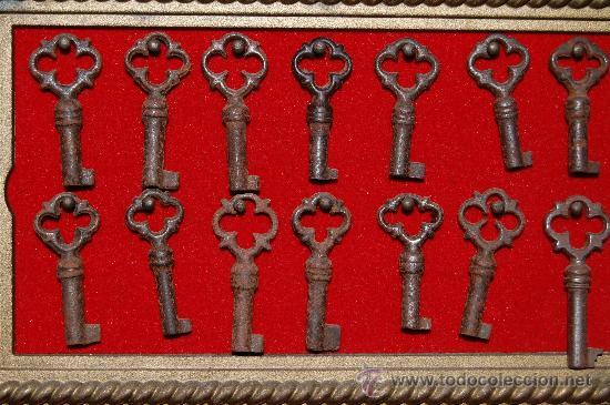 14 LLAVES ANTIGUAS (Antigüedades - Técnicas - Cerrajería y Forja - Llaves Antiguas)