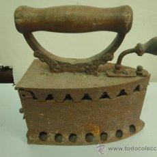 Antigüedades: PLANCHA DE CARBON. Lote 35524680